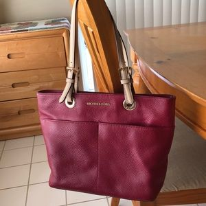 Michael Kors pebble handbag